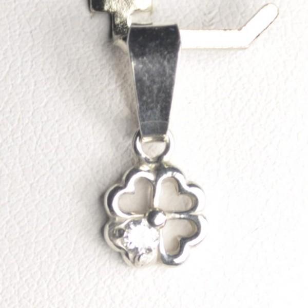 Oblíbený stříbrný přívěsek čtyřlístek