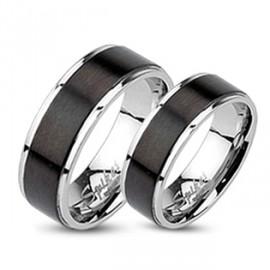 Stříbrný prsten český granát, vel. 53