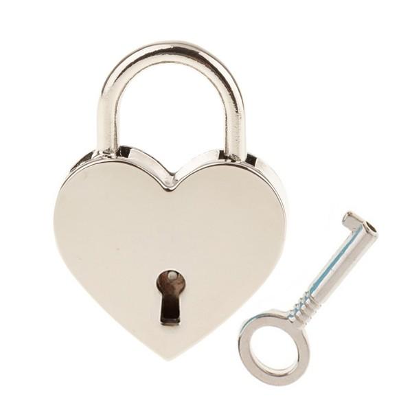 Ocelový prsten se zirkony, velikost prstenu 50