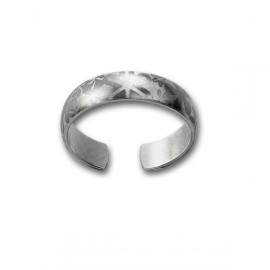 Bílá dřevěná dárková krabička na snubní prsteny