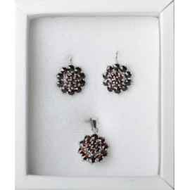 Stříbrný náhrdelník s s krystaly Crystals from Swarovski®