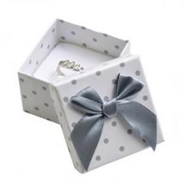 Malá dárková krabička na prsten bílá - šedé puntíky