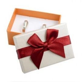 Dárková krabička na snubní prsteny s vínovou mašlí