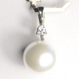 Stříbrný přívěšek perlička se zirkonem