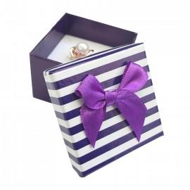 Dárková krabička na prsten nebo náušnice, fialové pruhy