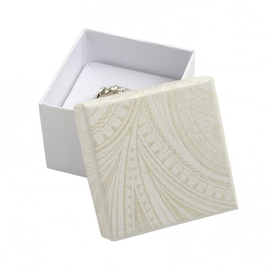 Smetanová dárková krabička na prsten