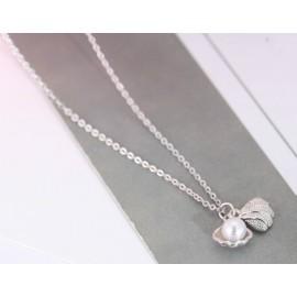 Stříbrný náhrdelník perlička v mušli