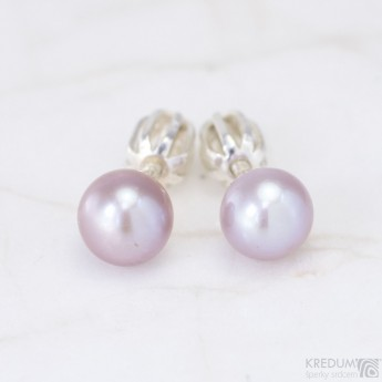 Stříbrné náušnice s lila perlami 6 mm