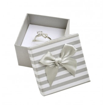 Dárková krabička na prsten nebo náušnice, šedé pruhy