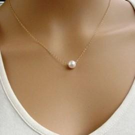 Zlacený náhrdelník s perličkou