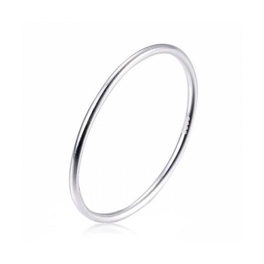 Minimalistický stříbrný prsten