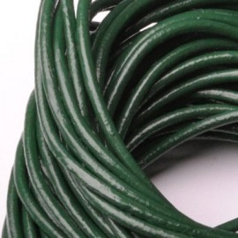 Kožená šňůrka kulatá tmavě zelená, tl. 2 mm