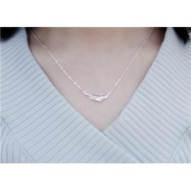 Stříbrný náhrdelník list